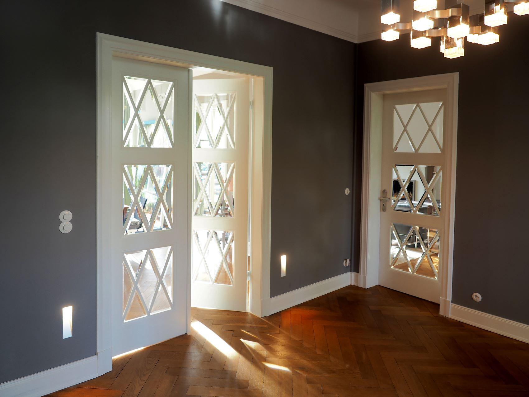 originalgetreuer nachbau klassischer altbaut ren. Black Bedroom Furniture Sets. Home Design Ideas