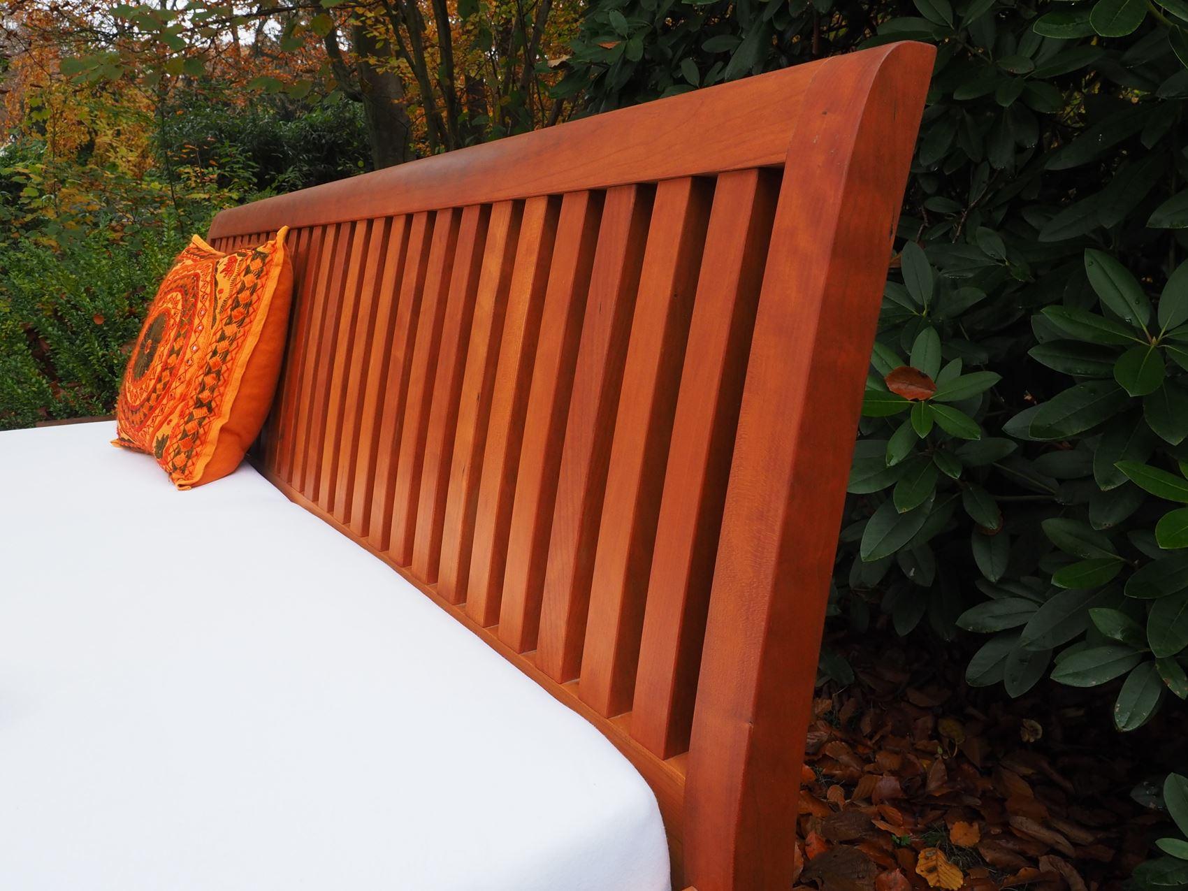Doppelbett aus amerikanischer Kirsche vom Tischler in Hamburg