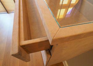 Sideboard mit Glastop