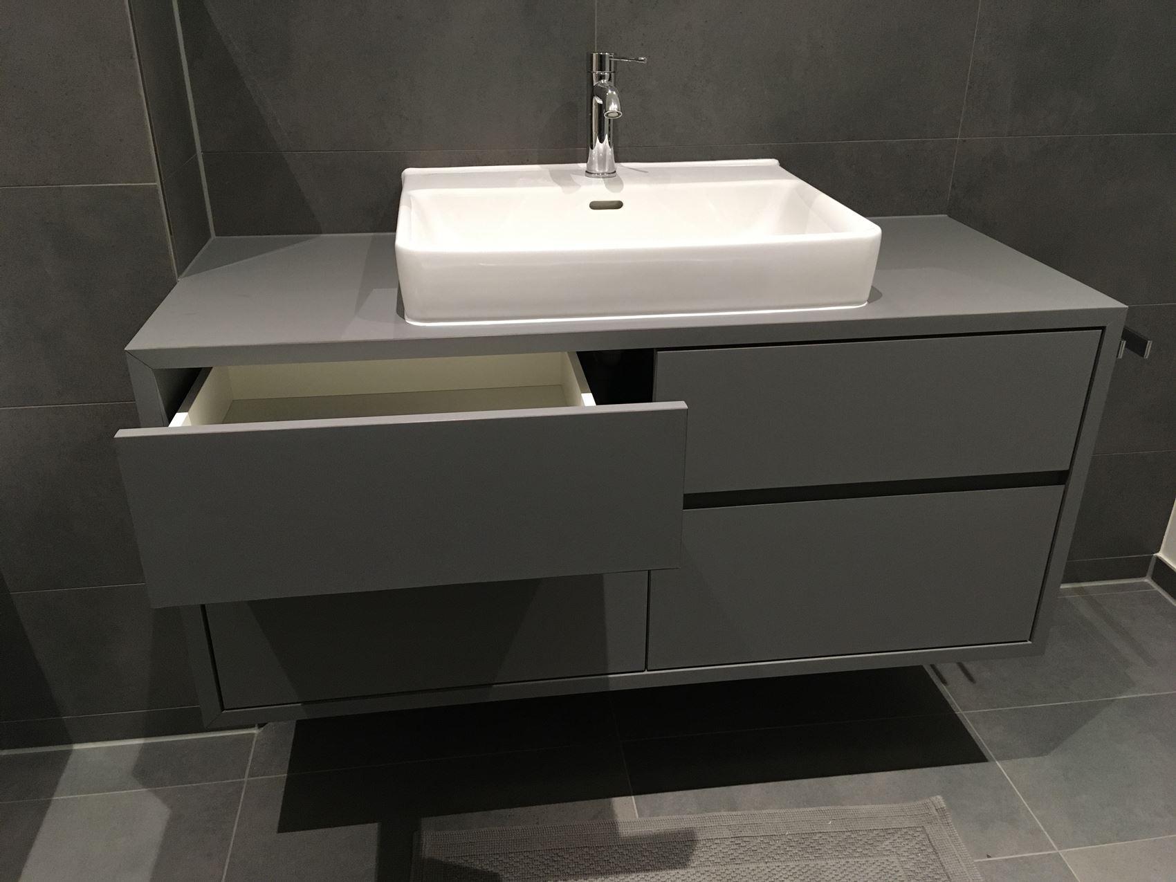 HPL-Waschtisch vom Tischler in Hamburg – HAMBURGERmöbel