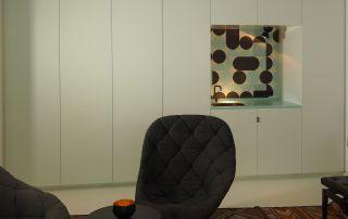 maßgefertigte Schranwand mit Pantry vom Tischler in Hamburg – HAMBURGERmöbel