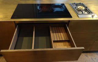 Edler Küchen-Mittelblock mit GAGGENAU – HAMBURGERmöbel