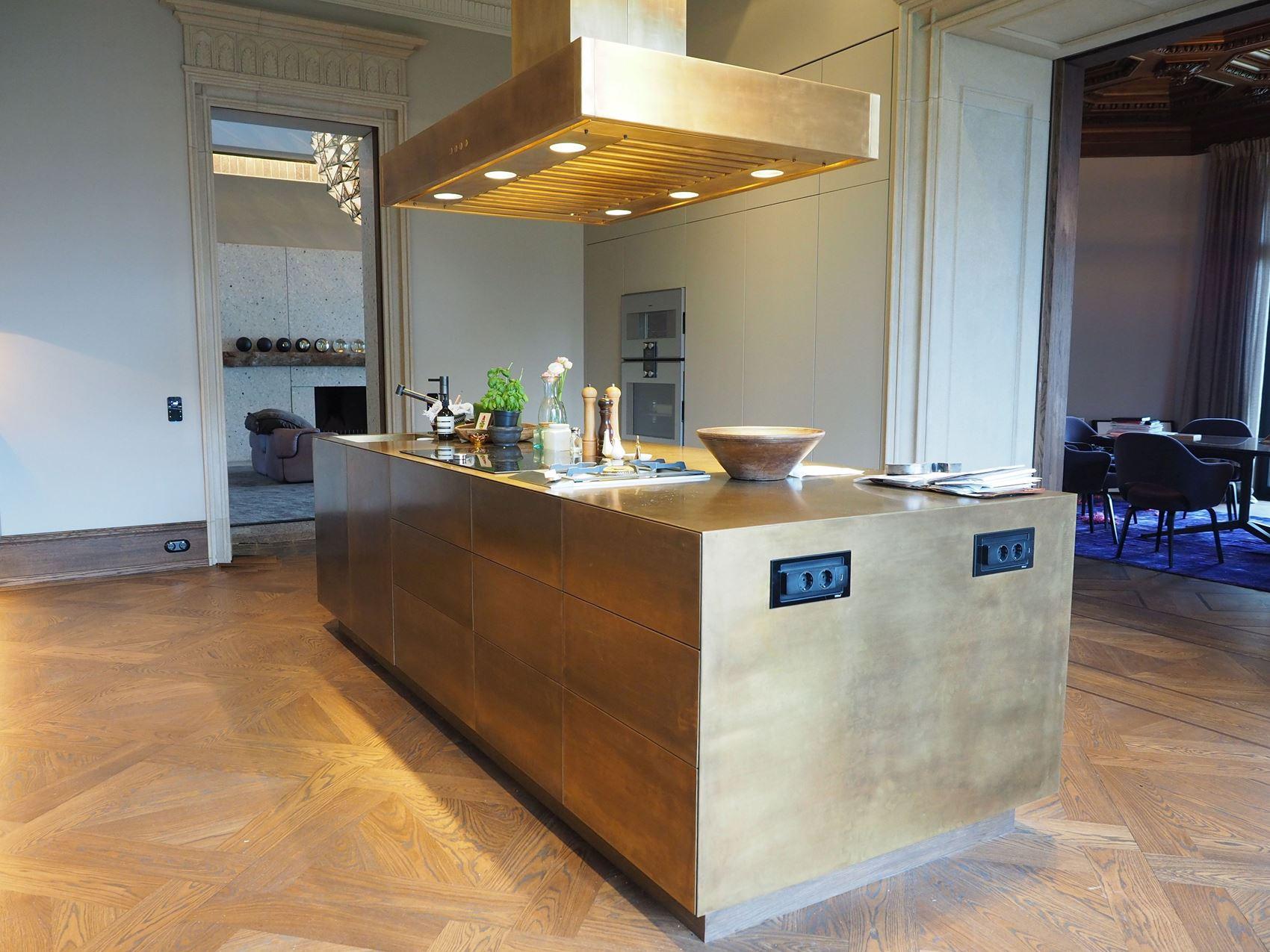 Edle Küche in einer Hamburger Villa – HAMBURGERmöbel