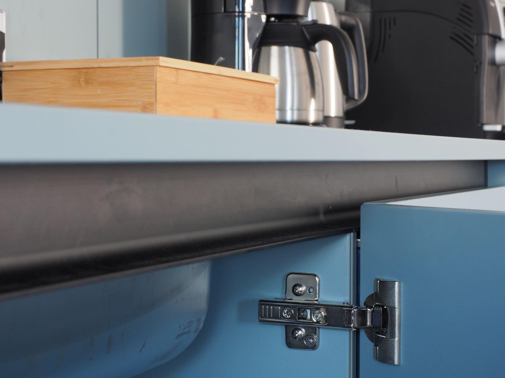 Beschläge Küchenzeile Tischler ©HAMBURGERmöbel