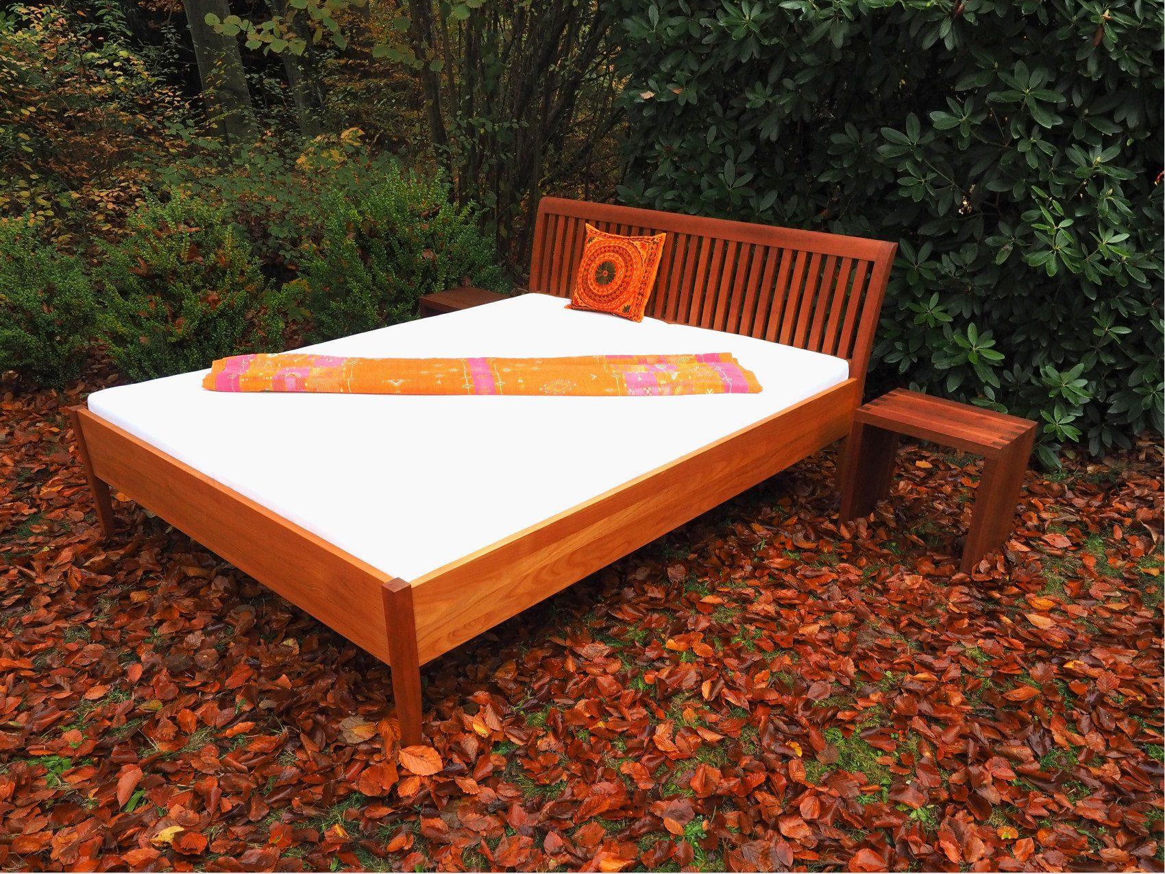 Doppelbett aus amerikanische Kirsche vom Tischler in Hamburg
